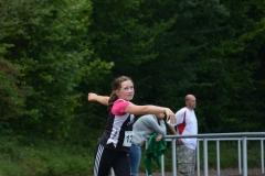 Marieke Behrens gewann den Kugelstoßwettbewerb der W12 mit 6,82m deutlich, obwohl sie erst Jahrgang 2006 ist und als jüngste Aktive am Wettbewerb teilnahm.