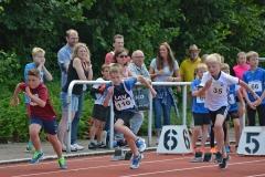 50m-Lauf der männlichen Kinder. Der Zevener Silas Dreyer (Nr. 110) kam im Dreikampf der M09 auf den dritten Platz.