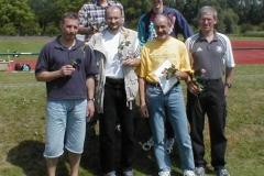 Alle erfolgreichen Zevener Teilnehmer: vorne v.l.: Czeslaw Pradzynski, Joachim Hickisch, Helmut Meier, Jürgen Umann, hintere Reihe v.l.: Nico Eijsink und Mark Kölzow