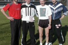 Die Staffel in der Besetzung v.l. n.r.: Theo Maxin, Jürgen Umann, Helmut Meier und Joachim Hickisch nach dem Lauf über 4x100m in 49,46 sec.