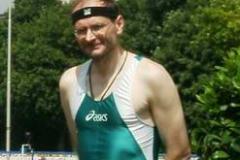 Joachim hat sich für folgende Disziplinen in der Klasse M 45 gemeldet: Ergebnisse 100m Vorlauf 12,72 sec. 400m Vorlauf 56,77 sec. Damit als 4. Deutscher für die 4x400m Staffel qualifiziert Fünfkampf 5. Platz 3021 Pkt. 5,22  32,08  26,08  27,05  4:55,79 4x400m Staffel 2. Platz