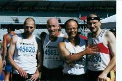 Foto 2: Glückliche Zweite über die 4x400-Meter: Von l. Bernhard Grißmer (Sindelfingen), Jörg Ziegler (Nordhausen), Matthias Konopka (Straubing) und Joachim Hickischlendlauf.