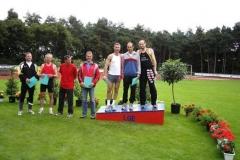 Siegerehrung 200m M45 Auf dem Treppchen: v.l.nr. 3. Frank Kindermann, Wolfenbüttel, Ingo Kaun, Aurich, Landesmeister Joachim Hickisch