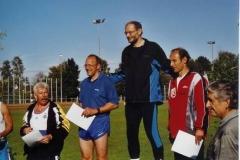 Landesmeister Joachim Hickisch, rechts daneben Ingo Kaun, MTV Aurich, Vizemeister, 3. Platz Jörg Weichert und links daneben Dieter Allnoch, der auf den 4. Platz kam