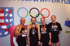 v.l.n.r: H.G.Müller Startläufer 4x200m M 50 2. Platz, 400m 9. Platz M 50 Joachim Hickisch 3. Läufer 4x200m Staffel 2. Platz, 6. Platz über 400m, 9.Platz 200m M50 Helmut Meier Deutscher Meister M 55 200m und 400m, 2.Platz Schlussläufer 4x200m, 2. Platz 60m M55 Jürgen Umann 2. Läufer 4x200m Staffel 2. Platz, 60m 9.Platz, 200m 10.Platz M50
