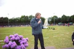 Ehrung für Hans-Hermann Neblung seit 40 Jahren für die Leichtathletik in Zeven da.