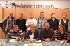 Der neue Vorstand der LAV Zeven: Hans-Hermann Neblung, Mara Zabel, Detlef Bredehöft, Frauke Fröhlich (sitzend, von links), Niko Eijsink, Heinrich Otte, Klaus Krieglsteiner, Jens Dohrmann, Timm Müller und Kerstin Michaelis (stehend von links).
