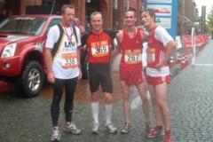 Die Sieger im 10km-Lauf 336 T.Silies,Zeven, 4.Platz 336 S,Bädermann, Celle, 1.Platz, 267 V.Laue, 2.Platz, 265 M.Knof,3.Platz