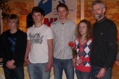 DLV Bronze für v.l.n.r.: Helge Zabel, Dion Saß, Ole Harms und Tami Gerken. Die Ehrung nahm der 2. Vorsitende des KLV Rotenburg, Theo Maxin vor.
