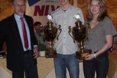 Den Pokal der Sparkasse Rotenburg-Bremervörde gewann für die beste Leistung bei den Kreismeisterschaften bei der männlichen Jugend Ole Harms und bei der weiblichen Jugend Tahnee Tietjen, TSV Bremervörde