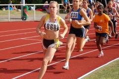 Lara Gerken (LAV Zeven) siegte in 2:30,46 min. über die 800 m der Schülerinnen A (W14).