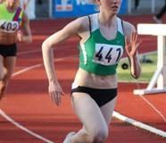Juline Stein vom TV Langen gewann die 400m der weiblichen Jugend A in 56,92 sec.
