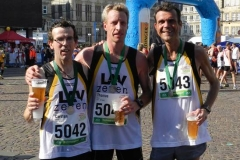 v.l.n.r: Carsten Ahlfeld, Thomas Silies und Neuzevener Marco Miltzlaff