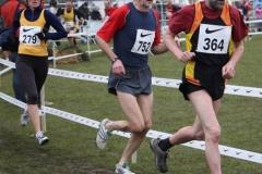 Detlef Wickmann ( 364 ) hatte das Laufgeschehen bei den Deutschen Crossmeisterschaften in Löningen stets gut im Auge