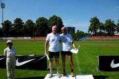 Siegerehrung 100m M60 Lutz Ihrke und Helmut Meier