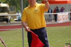 Vollrath Schuster kannte sich schon als Kampfrichter auch mit der Bedeutung der Flaggensignale beim Weitsprung aus. Nun ist er ebenfalls einer der drei neuen Schiedsrichter in Zeven.