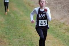 Sophia Rathjen gewann souverän den 1300m-Lauf der Schülerinnen W11.