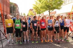 Startaufstellung zum 10000m u. Halbmarathonlauf
