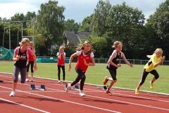 zi04: Start zum Sprintwettbewerb über die 50m der Kinder W10, den Nele Müller (2.v.re.) gewann.