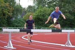 zi06: Thomas Silies (re.) siegte im 3000m-Hindernis-Lauf der Männer vor seinem Vereinskameraden Jascha Mehrkens (li.).
