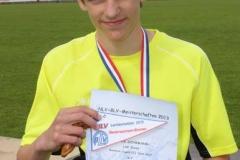 Janik Dohrmann nach der Siegerehrung im Hamelner Weserbergland-Stadion