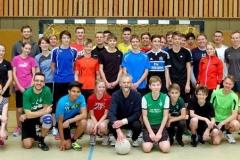 """Einige der Sportlerinnen und Sportler, die sich in diesem Jahr am """"Heiligabend-Fußball-Turnier"""" der LAV Zeven beteiligten."""