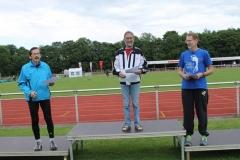 Siegerehrung 800m Senioren M65 - Norddeutscher- und Landesseniorenmeister 2014 Detlef Wickmann.