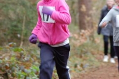 Emma Butt von der LAV Zeven (Nr. 17) war die jüngste Läuferin des Tages und startete über die 700m.