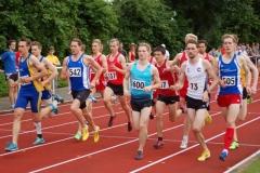 Kilian Grünhagen (Nr. 600) von der LG Unterlüß/Faßberg/Oldendorf war mit 3:54,32 min der schnellste Athlet bei den gemischten Zeitläufen über die 1500m, die sehr stark besetzt waren.