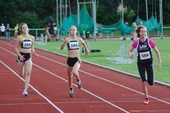 Den 100m-Lauf der weiblichen Jugend U16 gewann Nele Müller (Nr. 588) vor ihren Vereinskameradinnen Anna Hilken (Nr. 586) und Lena Behrens (Nr. 584).