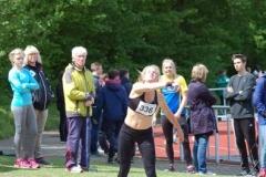 Louisa Mulder stieß die 3kg-Kugel auf 13,69 m.
