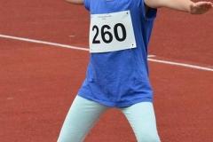 Ida Wietmann gehört der LAV-Mannschaft an, die im 3-Kampf der weiblichen Kinder U10 den zweiten Platz belegte.