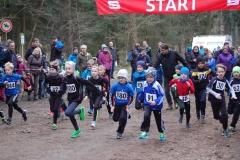 Start zum Lauf der männlichen Kinder über die 700m.