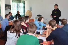 Der Referent Frank Vehren unterrichtete im Funktionsgebäude auf der Sportanlage an der Kanalstraße.