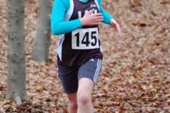 Mara Pawlus von der LAV Zeven (Nr. 145) lief beim ersten Oste-Cup-Lauf, der Veranstaltung des VfL Sittensen in Groß Meckelsen, über 1300m bei den Kinder W11 mit 6:46 min auf den zweiten Platz. In Zeven kam sie über diese Distanz mit 6:26 min auf den dritten Rang hinter ihrer Vereinskameradin Ariane Thal (6:12 min) und vor der LAV-Aktiven Charlotte von Bargen (7:33 min).