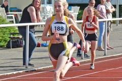 zi01: Nele Müller (Nr. 188) gewann klar die 100m der W14 mit 13,01 sec.