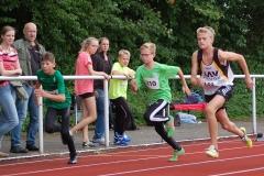 zi03: Jannes-Hinrich Corleis (Nr. 348) gewann den 75m-Sprint der M13 in 10,75 sec.