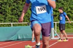 zi04: Detlef Bredehöft sicherte sich im Weitsprung der Männer den ersten Platz.
