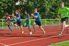 zi05: 100m-Lauf. Mit dabei für die LAV Zeven Joost Michaelis (re., Nr. 186) der bei der MJ U20 über 100m und 200m jeweils auf den zweiten Platz kam.