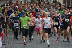 Im 5-km-Jedermann-Lauf hatten Jakob Wilkens (Nr. 509) und Insa Wickmann (Nr. 535) die schnellsten Zeiten und waren vom Start an unter den Führenden.