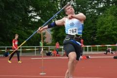 Mika Jokschat (Polizei SV Eutin) gewann im Kugelstoßen (16,73m) und im Speerwerfen (54,31m) der MJ U18.