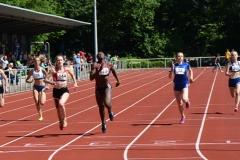 A-Finale 200m der WJ U18 am Sonntag. Es gewann Lysann Helms (Nr. 144, LAV Hamburg Nord, 24,83 sec) vor Cynthia Kwofie (Nr. 673, ASV Köln, 24,89 sec) und Tabea Belau (Nr. 32, LAC Berlin, 25,36 sec).