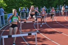 400m Hürden Finale der WJ U20. Es gewann Anna Lindenau (4.v.li., SV Friedrichsgabe, 62,24 sec).