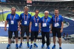 Vollrath Schuter, Jens Dohrmann, Rainer Dohrmann, Peter Kunze und Olaf Michaelis (von links) wurden für die EM in Berlin mit passender Kleidung ausgestattet.