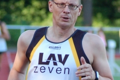 Detlef Bredehöft (M50) belegte im Weitsprung und im Speerwurf jeweils Platz zwei.