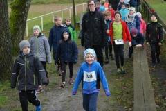 Für die Kinder gab es vor dem ersten Start das Angebot zur gemeinsamen Besichtigung der Strecke der 860m-Rennen.