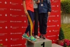 Siegerehrung 80m Hürden mit Melinda Dènes (li.).