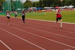 Zieleinlauf Finale 200m mit Helmut Meier (Nr. 509)