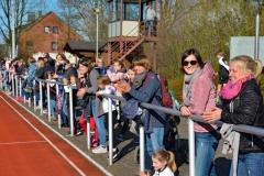 Das Publikum verfolgte interessiert das Geschehen auf der Sportanlage an derKanalstraße.