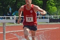 Der für die LG Buntentor Roadrunners startende Heeslinger Thomas Silies kam am zweiten Veranstaltungstag im 3000m Hindernislauf der Männer mit einer Zeit von 11:39,37 min auf den dritten Platz.